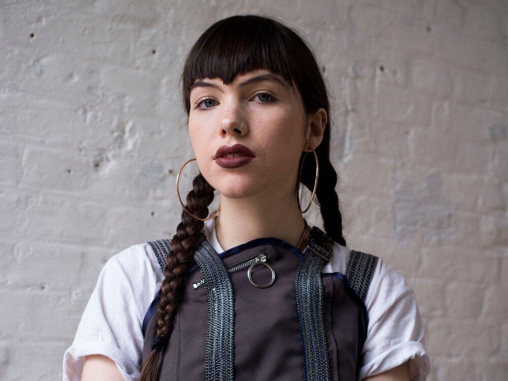 Singer Eleanor, aka Retropxssy